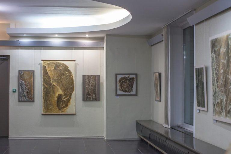 Выставка художника Эдуарда Логинова «Незримое. Ожившие петроглифы Алтая»
